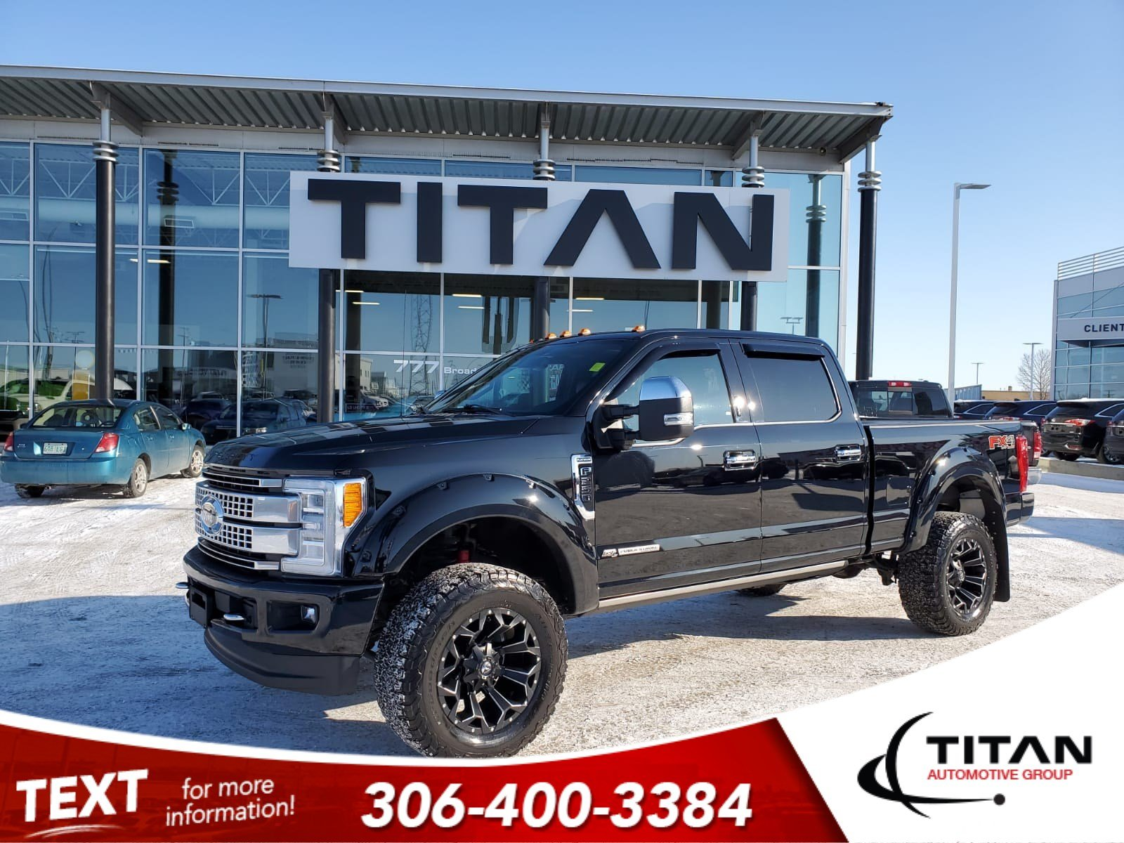 Pre-Owned 2017 Ford Super Duty F-250 SRW Platinum | Leather | Sunroof | Navigation | Aftermarket Tires