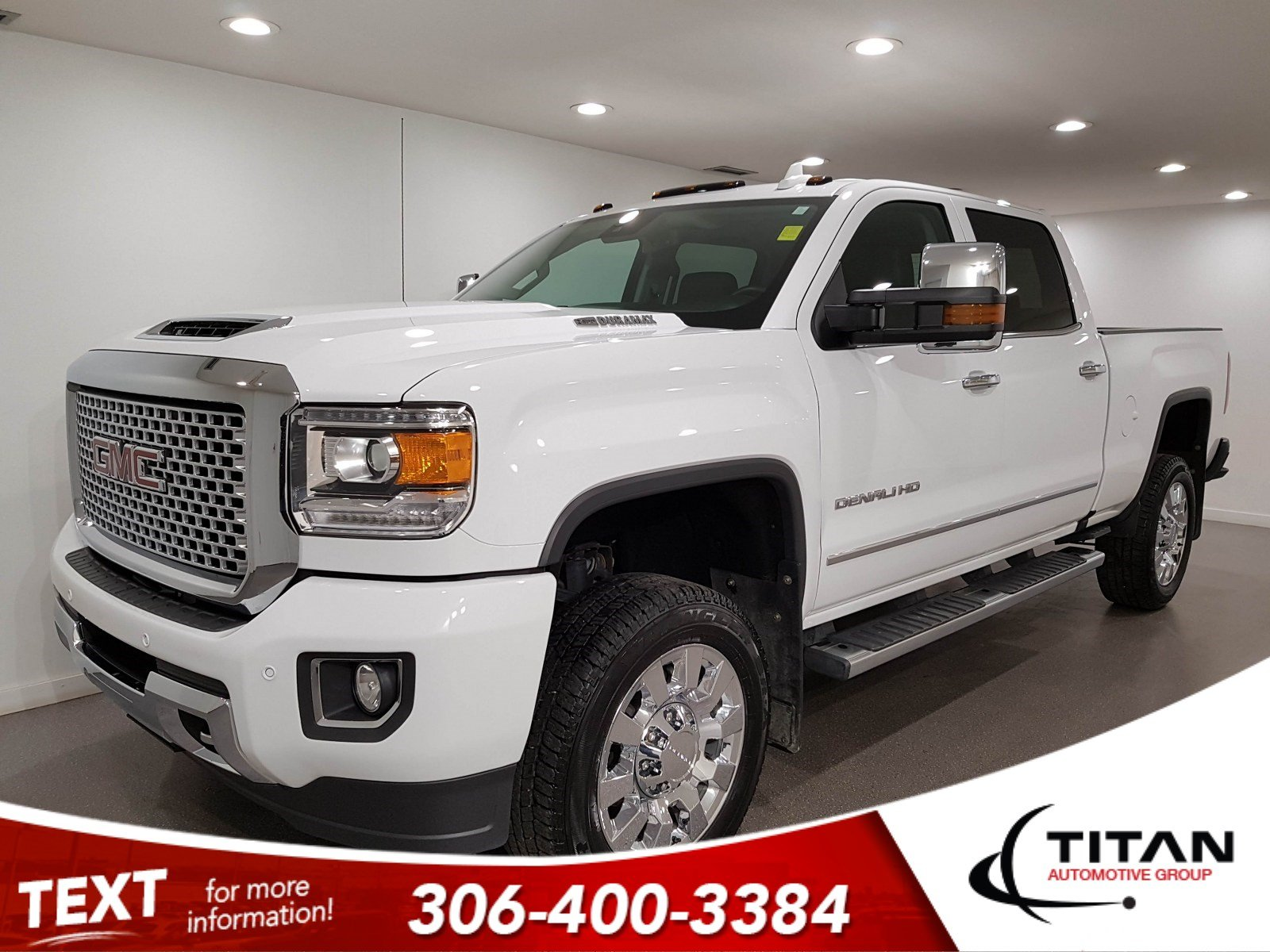 Pre-Owned 2017 GMC Sierra 2500HD Denali V8 Diesel | Leather | Sunroof | Navigation
