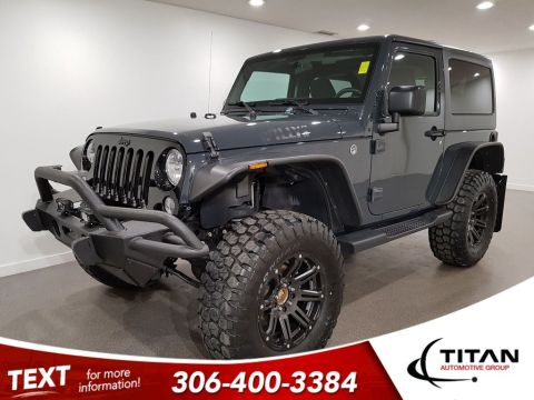 Pre-Owned 2017 Jeep Wrangler Willy's 4x4 Bluetooth 6 Spd Manual