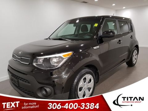 Pre-Owned 2017 Kia Soul Great on fuel Bluetooth Auto Vegas Vacation